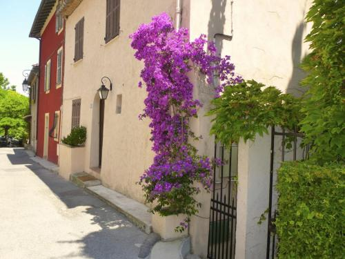 row-of-houses-cagnes