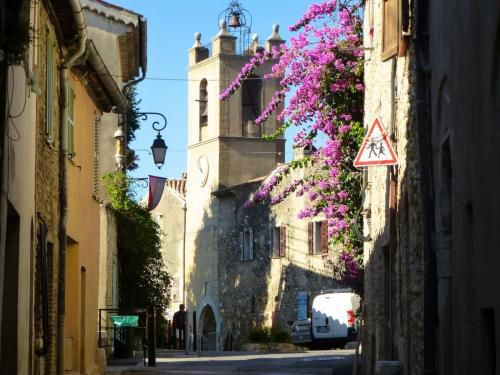 top-of-village-cagnes