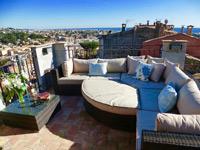 Doux Bijou roof terrace