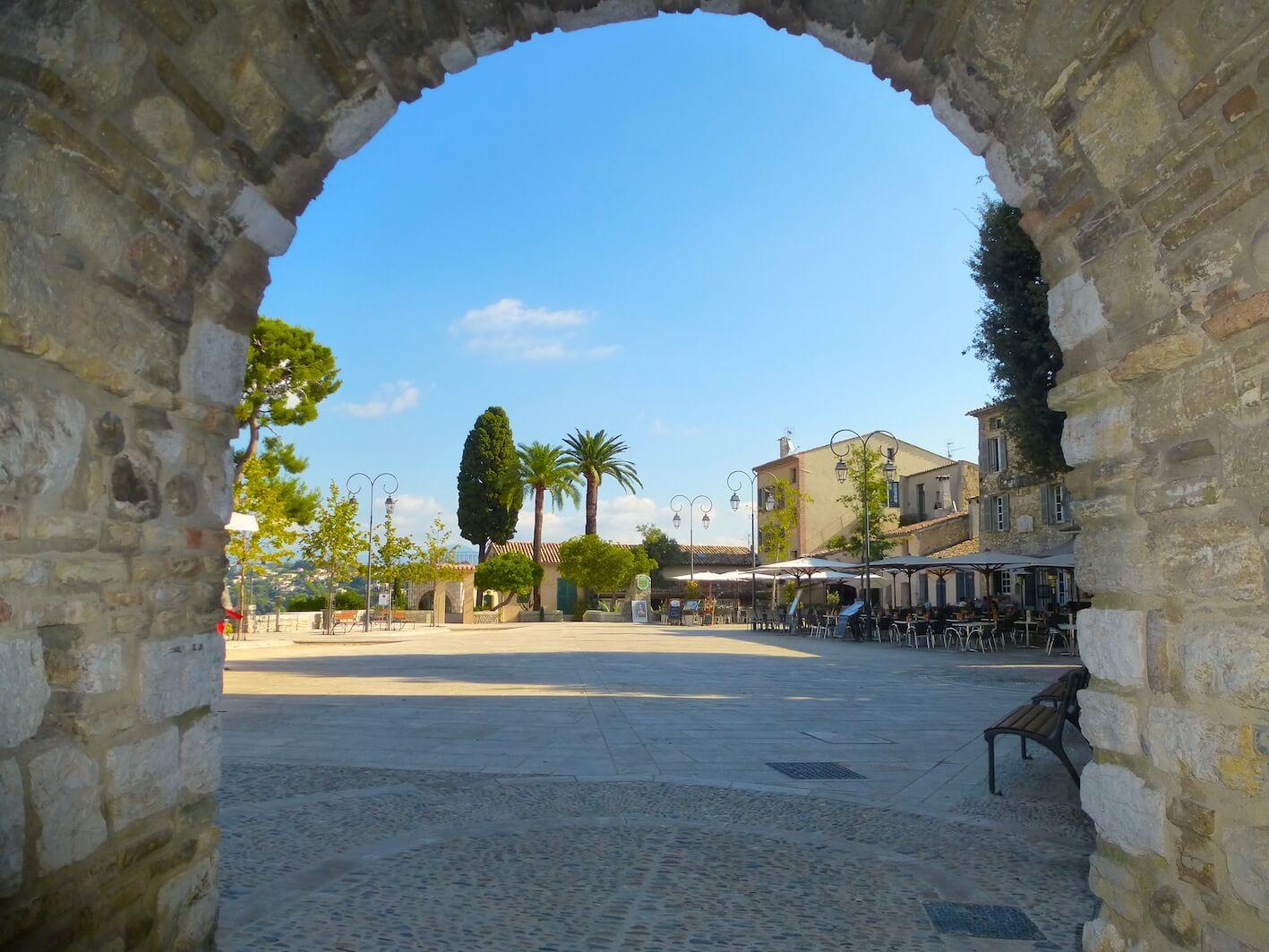 Haut De Cagnes Castle Square Charming Holiday Rentals On Cote D Azur