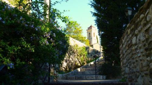 haut-de-cagnes-view-of-chapelle